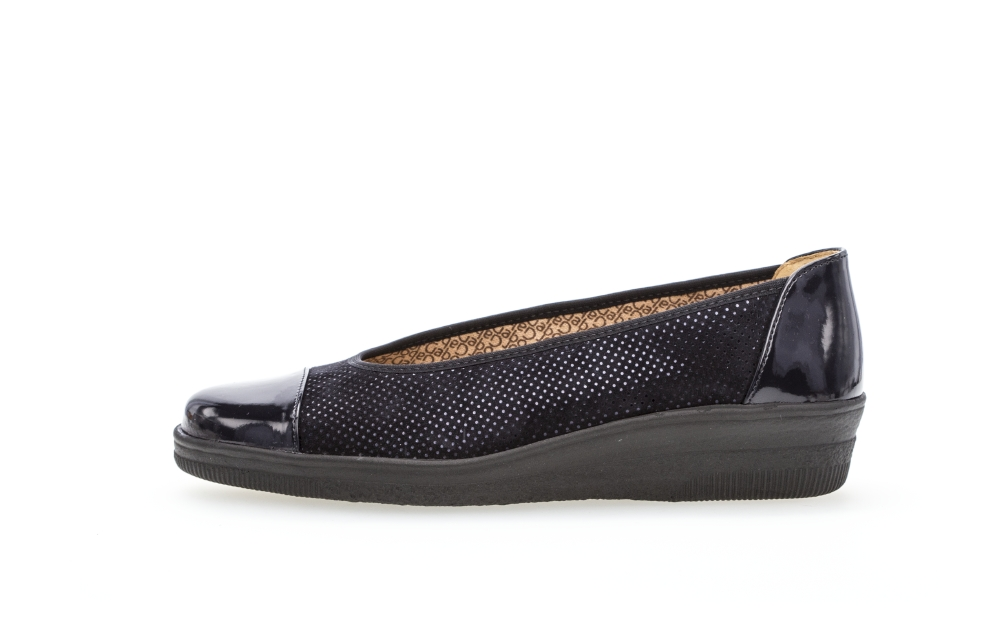 Gabor 46.402.86 Petunia Navy spot suede patent toe wedge Sizes - 4 to 7 Price - £65.00 (20% off) Now £52.00